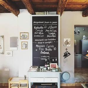 My new fav place in my hometown, #pécs.  A legújabb kedvenc hely szülővárosomban, Pécsett.  #coffe #cafe #cafeshop #kávéznijó #rusztikus #vintage #mutimitiszol